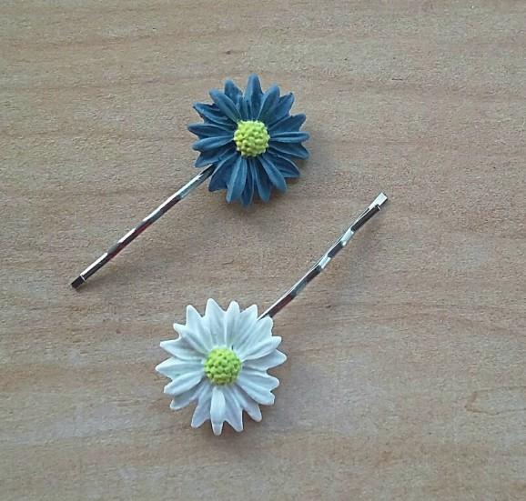 blue daisies 2.jpg