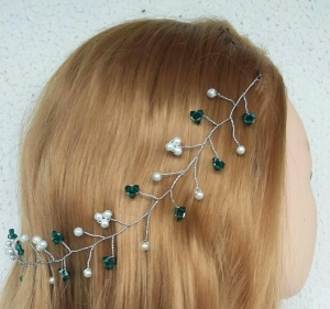 Swarovski pearls & shimmering emerald crystals on a hair vine